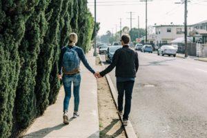 Andar es uno de los mejores movimientos para evitar el sedentarismo