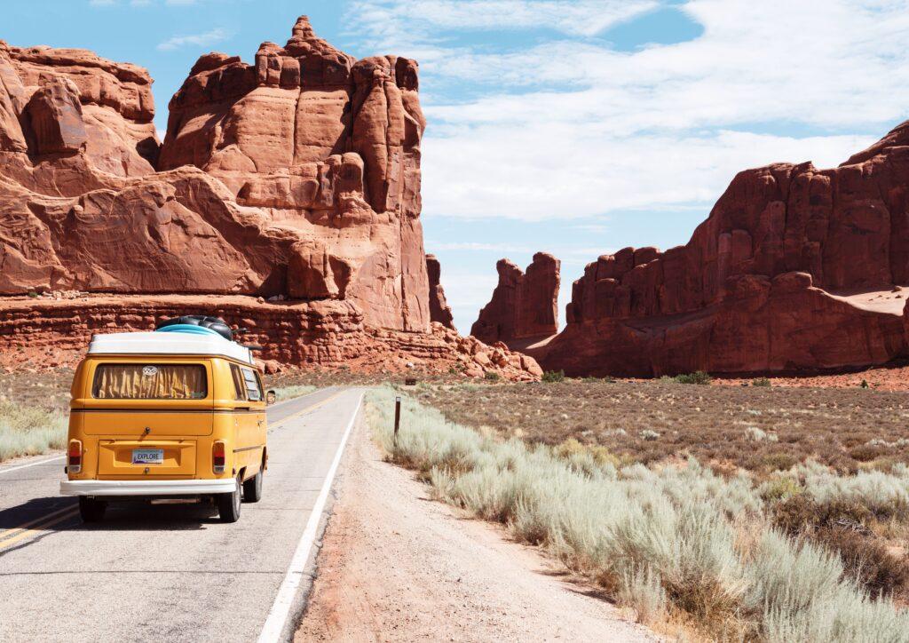 Para reducir la huella de carbono y evitar viajes innecesarios, los españoles apuestan por los destinos más próximos a ellos.