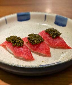Restaurante Ikigai: nigiri de toro, jamón y caviar