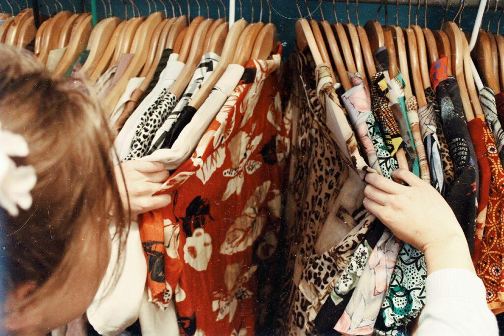 Apuesta por el slow fashion y la compra de ropa de segunda mano