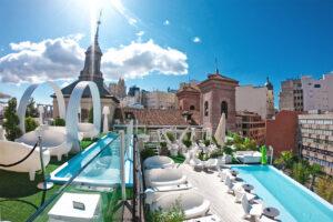 Gymage Lounge Resort: vista de la terraza y las dos piscinas