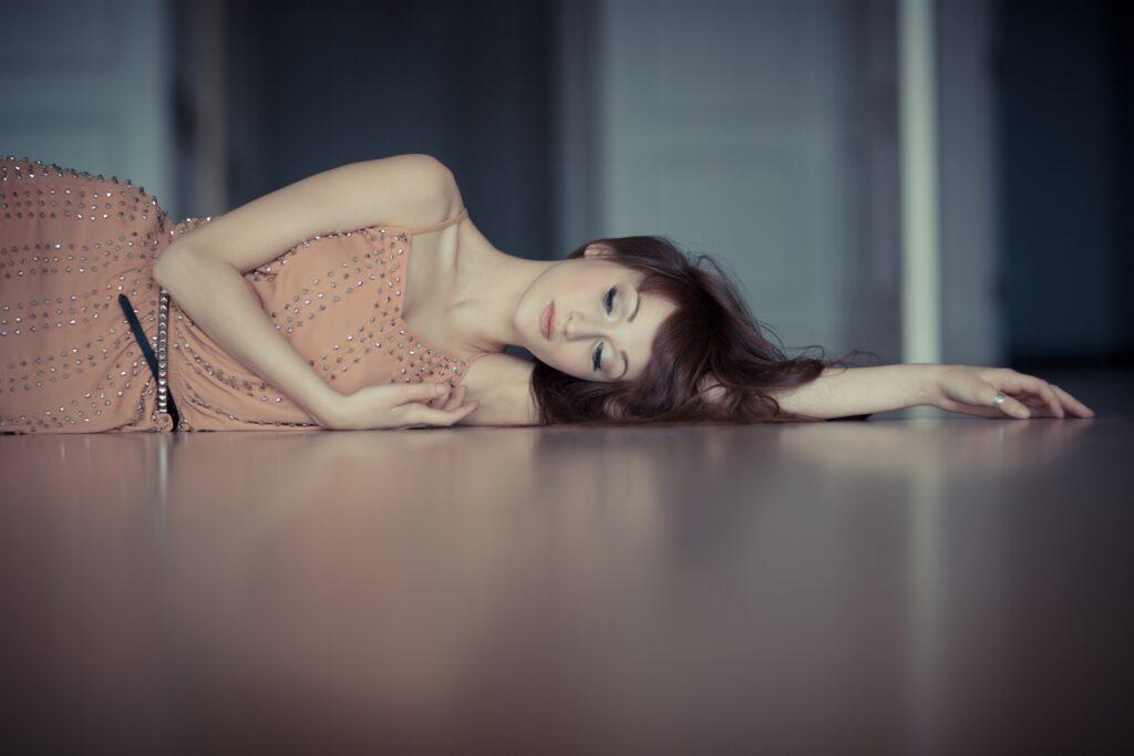 Un buen sueño ayuda a descansar mente y cuerpo, necesario para evitar el cansancio y el estrés
